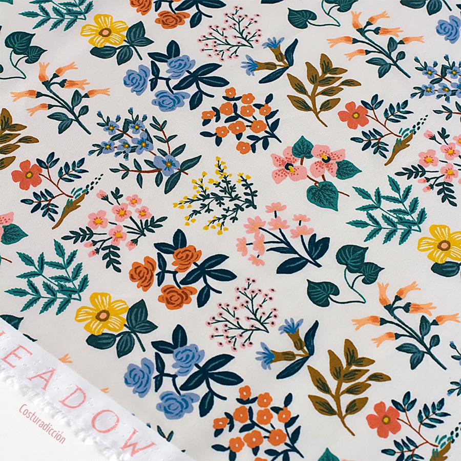 Imagen de producto: https://tienda.costuradiccion.com/img/articulos/secundarias13473-tela-rifle-paper-meadow-wildflower-field-batista-de-algodon-media-yarda-2.jpg
