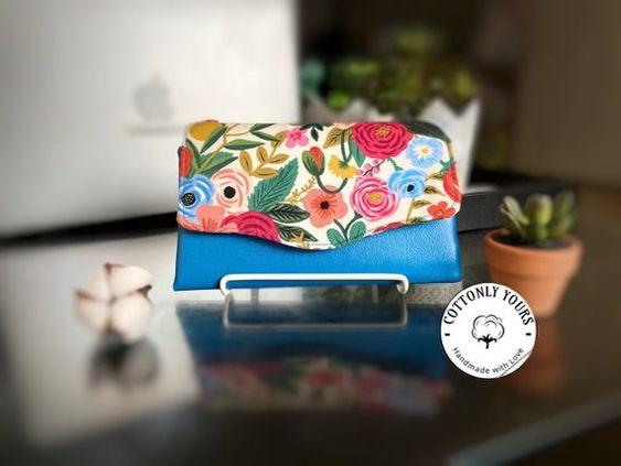 Imagen de producto: https://tienda.costuradiccion.com/img/articulos/secundarias13476-tela-wildwood-garden-party-rosa-loneta-media-yarda-8.jpg