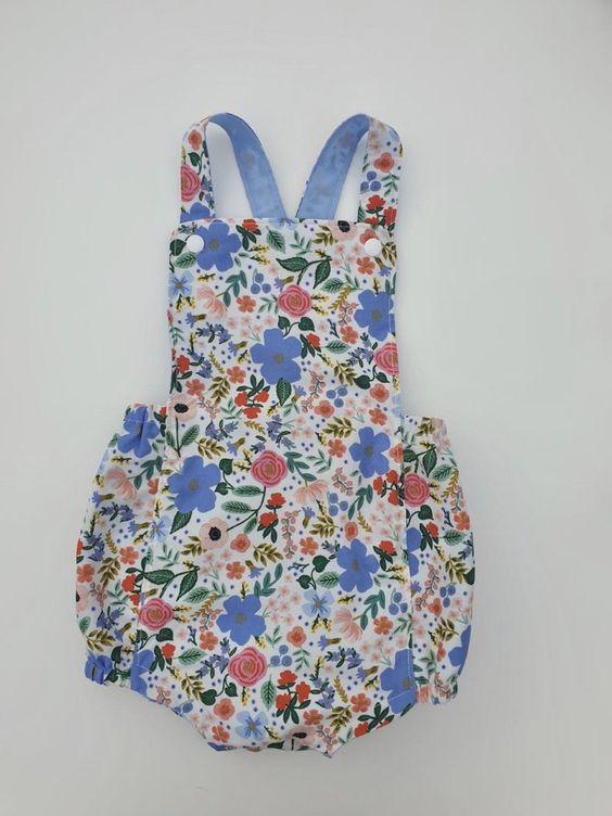 Imagen de producto: https://tienda.costuradiccion.com/img/articulos/secundarias13485-tela-primavera-wild-rose-crema-algodon-con-metalizado-media-yarda-4.jpg
