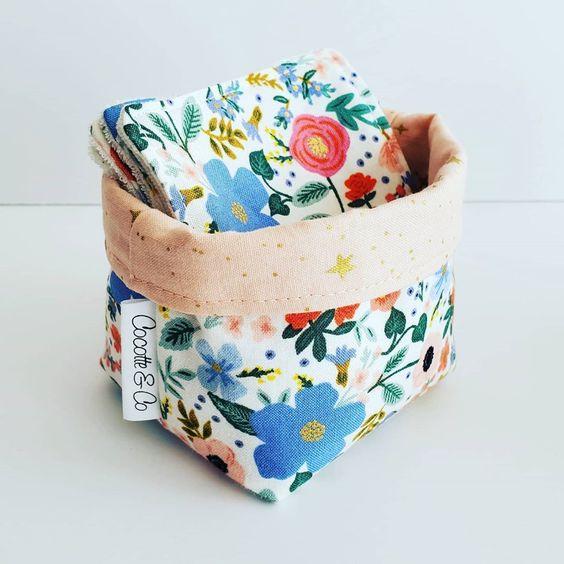 Imagen de producto: https://tienda.costuradiccion.com/img/articulos/secundarias13485-tela-rifle-paper-primavera-wild-rose-blanca-algodon-con-metalizado-media-yarda-7.jpg