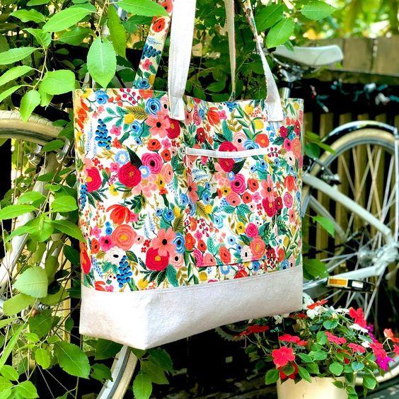 Imagen de producto: https://tienda.costuradiccion.com/img/articulos/secundarias14362-tela-rifle-paper-petite-garden-party-rosa-algodon-media-yarda-14.jpg