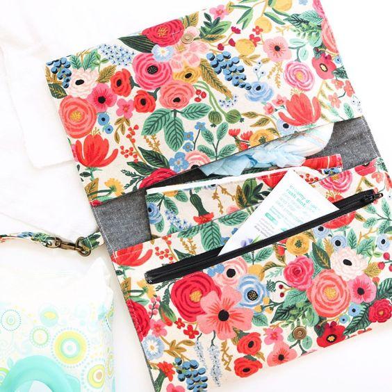 Imagen de producto: https://tienda.costuradiccion.com/img/articulos/secundarias14362-tela-rifle-paper-petite-garden-party-rosa-algodon-media-yarda-3.jpg
