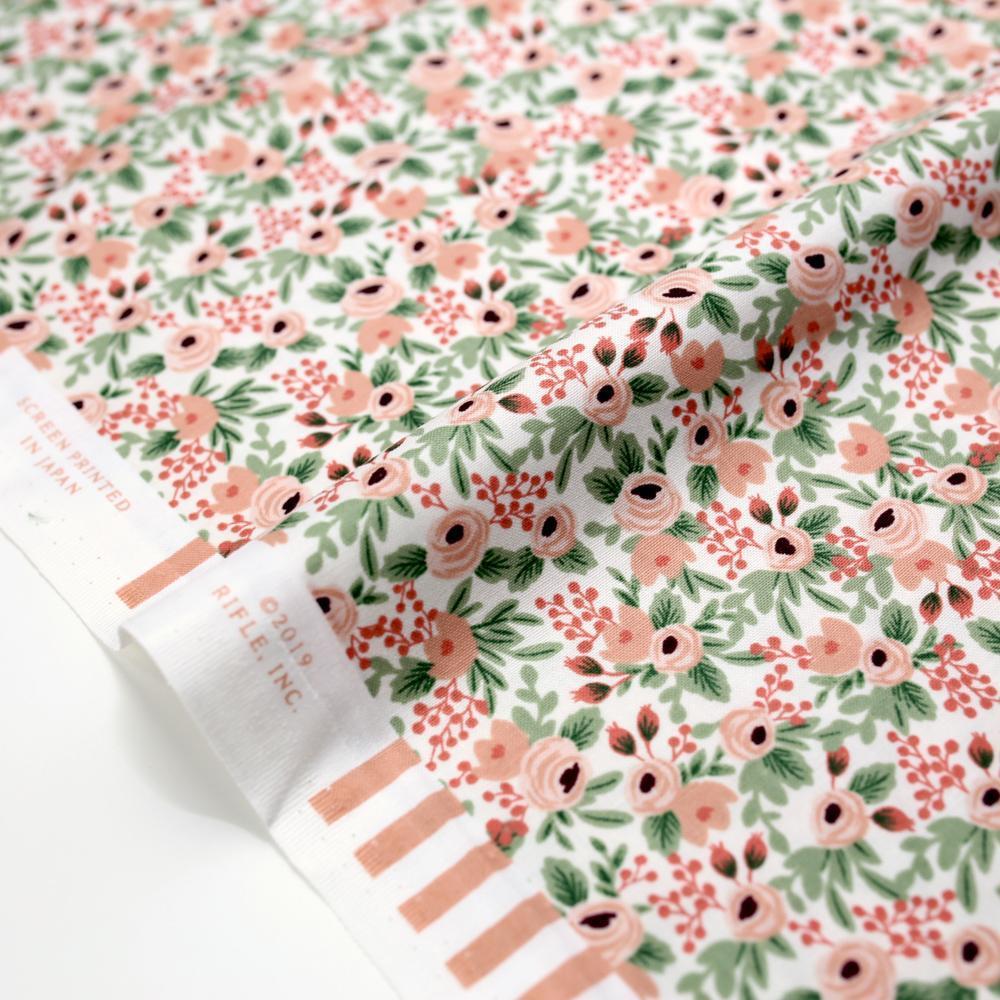 Imagen de producto: https://tienda.costuradiccion.com/img/articulos/secundarias14535-tela-rifle-paper-garden-party-rosa-con-metalizado-algodon-medio-metro-1.jpg