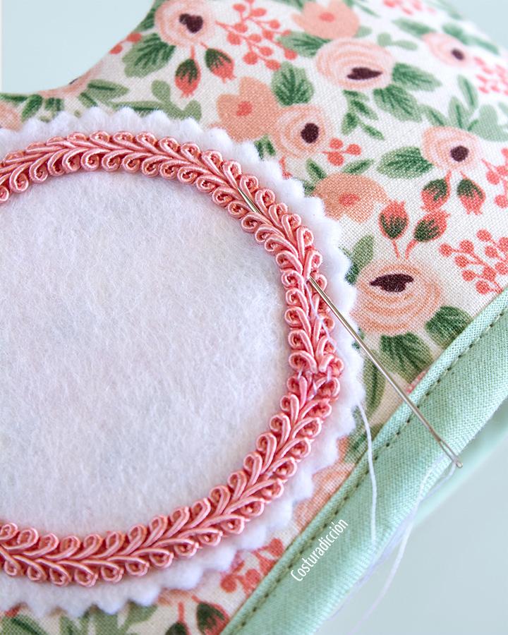 Imagen de producto: https://tienda.costuradiccion.com/img/articulos/secundarias14542-tela-rifle-paper-garden-party-rosa-algodon-algodon-50-x-55-cm-8.jpg